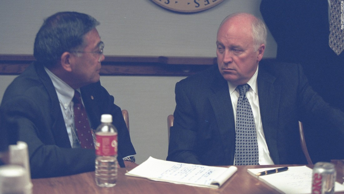 Cheney talks with Secretary of Transportation Norman Mineta.