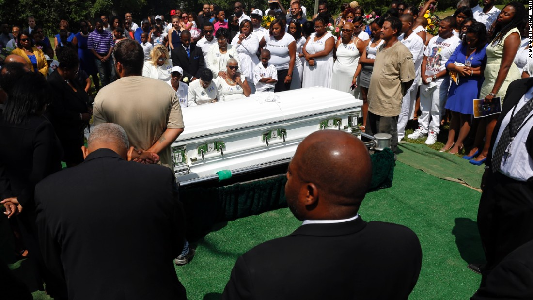 Hundreds of people attended Sandra Bland's funeral near the Chicago suburb where she grew up.