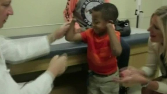 first bilateral child hand transplant kyw dnt_00002104.jpg