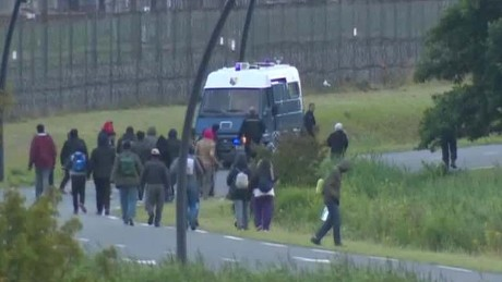 Migrants continue to inundate Channel Tunnel