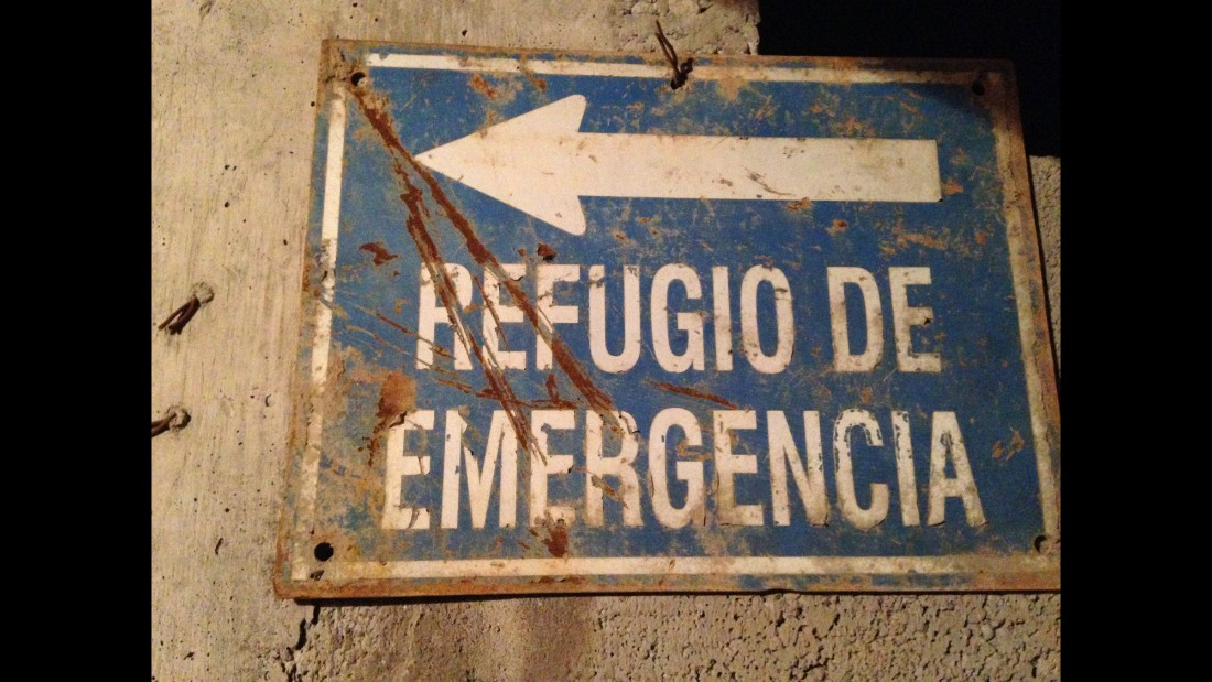 02.chile.miners.Emergency.Sign.jpg