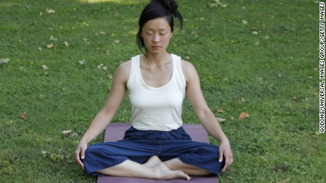 A new study says mindful meditation may help increase self-control for smokers, but experts also emphasize the importance of integrating techniques such as goal setting and accountability.