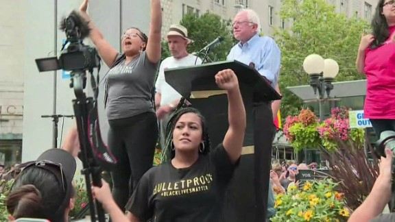 bernie sanders black lives matter seattle bts_00000108.jpg
