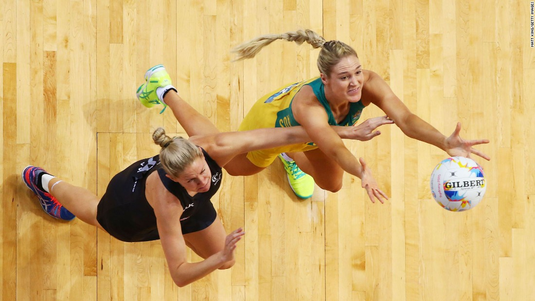 Caitlin Bassett of the Diamonds competes with Casey Kopua of New Zealand during the 2015 Netball World Cup match between Australia and New Zealand on Sunday, August 9, in Sydney.
