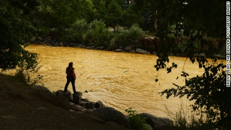 Early tests on Animas River show little threat to fish