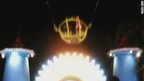 Theme Park Ride Breaks Sends Riders Flying Cnn Video