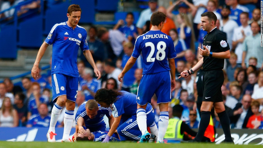 Mourinho lost his temper when first-team doctor Carneiro and physio Fearn entered the field to treat attacker Hazard against Swansea City. Football rules mean a player must leave the pitch for a short period of time once they have received medical attention.