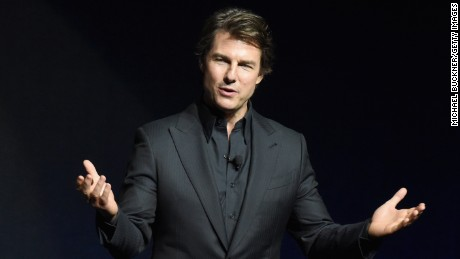 Tom Cruise reportedly enjoyed his first college football game on Saturday night.