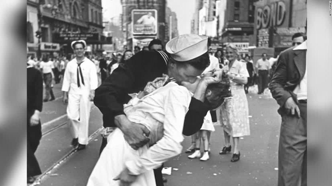 Man identified as kissing sailor in WWII Times Square photo dies at 95