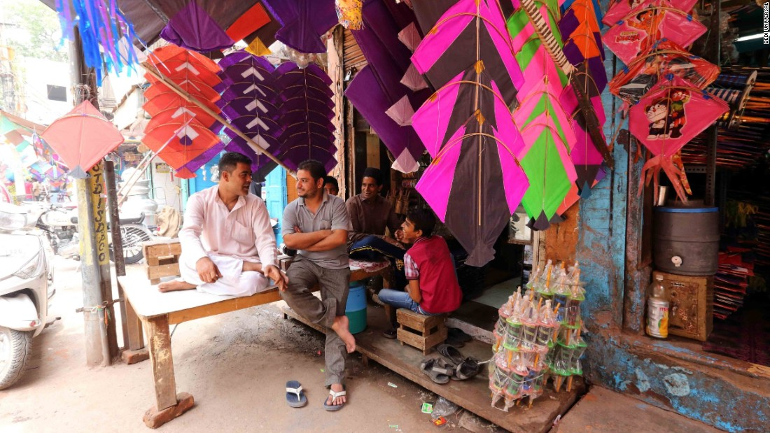 Mohabad Mugid has been making kites since he was a teenager, a skill he learned from his father. His kites are of the traditional hand-crafted variety, and it takes an entire day to make a single piece.