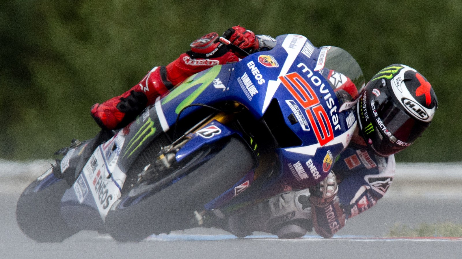 Moto GP: Jorge Lorenzo smashes Brno record, claims pole - CNN