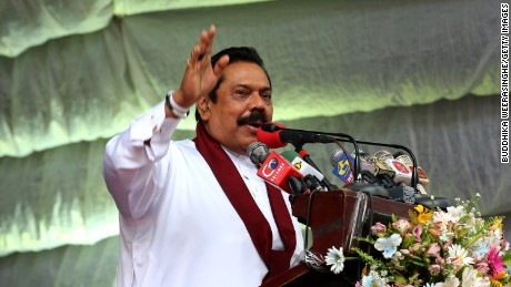 Mahinda Rajapaksa speaks to voters on August 14, 2015 in Kandy, Sri Lanka.
