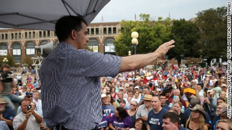 DES MOINES, IA - AUGUST 17:  Republican presidential candidate and Wisconsin Gov. Scott Walker speaks to fairgoers during the Iowa State Fair on August 17, 2015 in Des Moines, Iowa.  Presidential candidates are addressing attendees at the Iowa State Fair on the Des Moines Register Presidential Soapbox stage and touring the fairgrounds. The State Fair runs through August 23.  (Photo by Justin Sullivan/Getty Images)