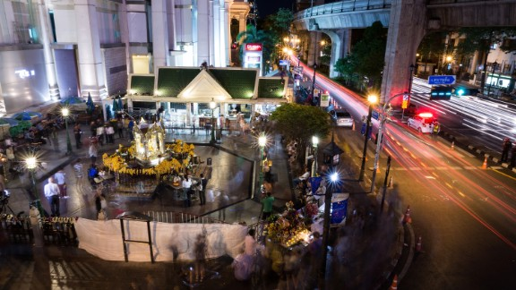 At least 10 people are believed to have taken part in the bombing, but the attack is unlikely to be linked to international terrorist groups, Thai authorities say.