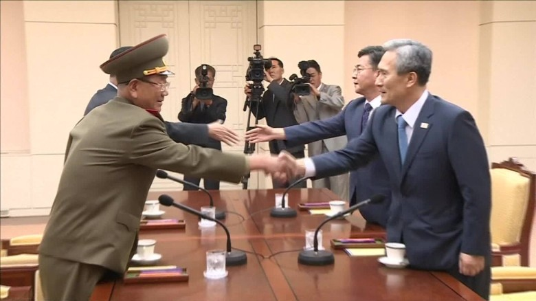 North Korea sends top negotiators to peace talks