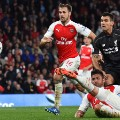 olivier giroud shoots arsenal liverpool