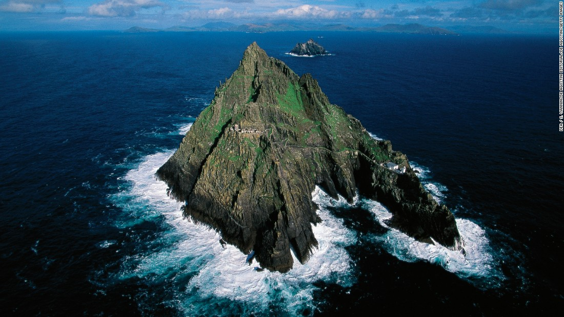 "<strong>Jedi temple (Skellig Michael, Ireland): </strong>The finale of ""The Force Awakens"" was filmed at the ruins of this seventh-century monastery, which sits on the steep sides of the island Skellig Michael. It is also appears in ""The Last Jedi."""