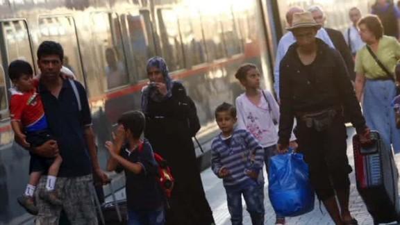 refugees arrive in germany pleitgen lklv_00013918.jpg
