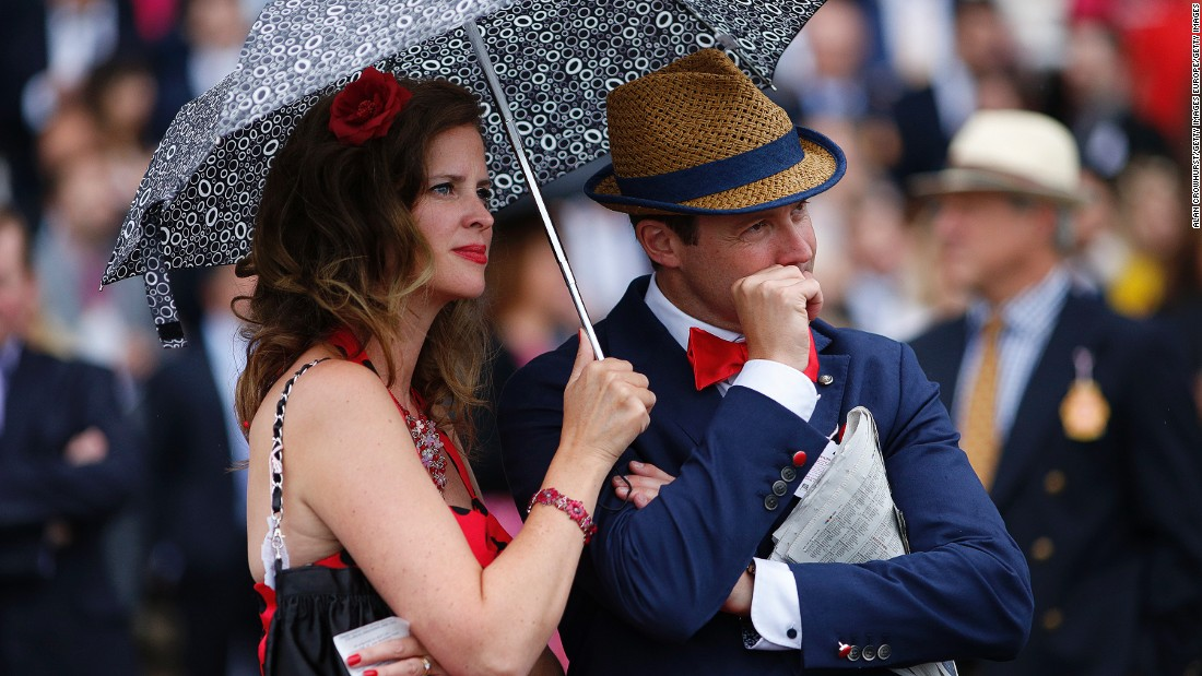 CHICHESTER, ENGLAND - AUGUST 29: A racegoer nervously bites his nails as he watches the action at Goodwood racecourse on August 29, 2015 in Chichester, England. (Photo by Alan Crowhurst/Getty Images)
