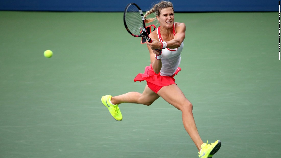 Raonic's fellow Canadian, Eugenie Bouchard, won a slugfest against Polona Hercog to record back-to-back wins for the first time since March.