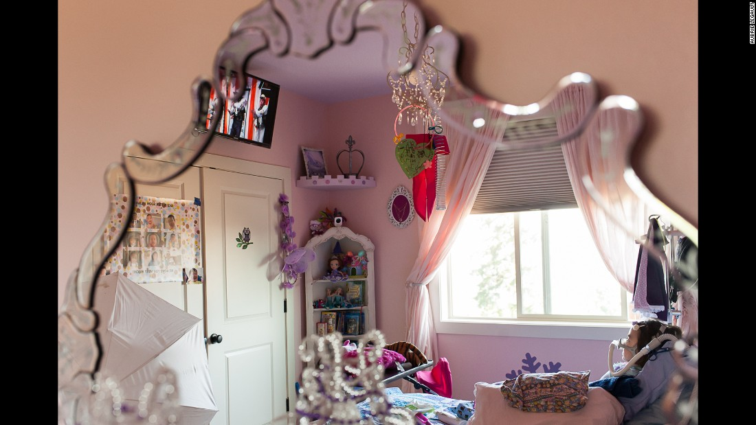 "Julianna spent the last months of her life in her ""princess"" room. Sometimes, she pretended her bed was a magic carpet."