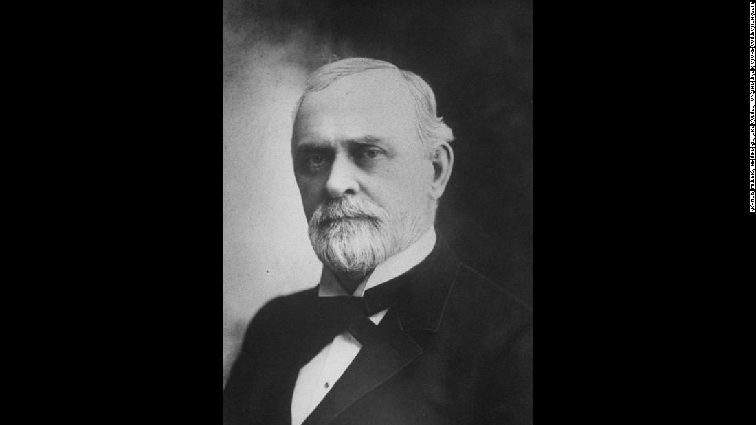 Chicago merchant and hotelier Potter Palmer established trusts for his siblings and left most of his holdings to his wife, Bertha. Among his trustees was Jane Addams, who established Hull House in 1889. Palmer died in 1902.