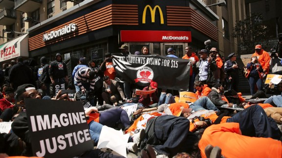 A complicated August 27 decision by the National Labor Relations Board may open the floodgates to organizing by employees at franchise businesses. That means that although the McDonald