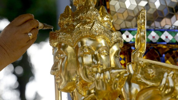 Thai authorities unveiled the repaired centerpiece of the Erawan Shrine on September 4, 2015  to restore confidence among Bangkok's tourism and business communities almost three weeks after a deadly bomb attack on August 17.