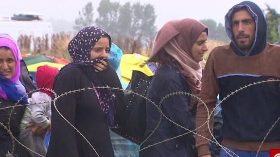 greece/refugees' dangerous journey/arwa damon/pkg_00000010.jpg