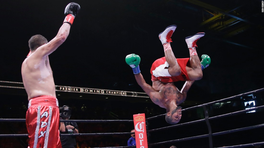 Anthony Dirrell celebrates with a back flip after his bout against Marco Antonio Rubio on Sunday, September 6. Dirrell won the fight by unanimous decision.