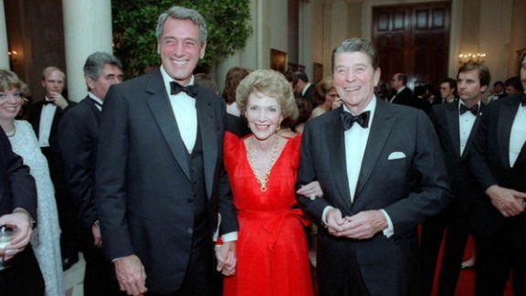 One-time Hollywood colleagues, President Ronald Reagan and first lady Nancy Reagan invited Hudson to a White House state dinner in May 1984. Hudson found out he had AIDS a month later, a diagnosis he kept secret from all but a few friends for more than a year. Ronald Reagan, who called Hudson while he was hospitalized, didn't refer to AIDS publicly until shortly before the star's death in 1985; he didn't give a formal speech on the health crisis until May 1987.