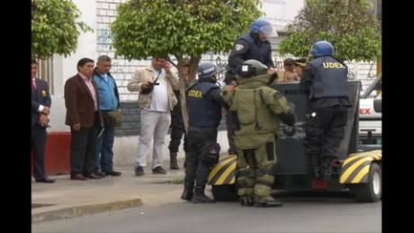 cnnee pkg bealunde weapons arms city peru_00020025