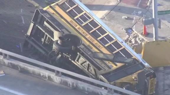 texas school bus crash pkg_00013501.jpg