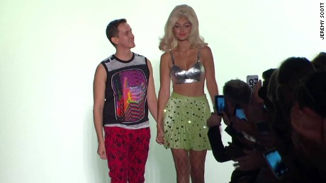 Jeremy Scott fashion show spring collection ss16_00010624
