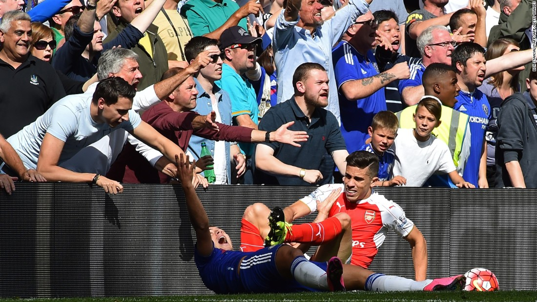 Chelsea manager Jose Mourinho said his team should have been earlier awarded a penalty when Paulista brought down Eden Hazard.