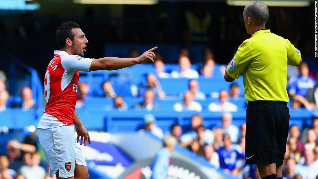 Arsenal also had midfielder Santi Cazorla sent off before Hazard's late goal sealed a 2-0 win at Stamford Bridge.