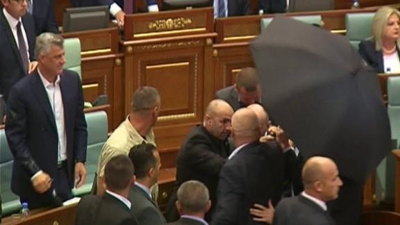 kosovo prime minister egged sot_00001011.jpg