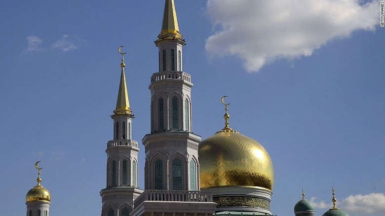 Grand mosque opens in Moscow
