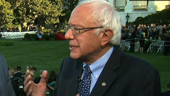 Bernie Sanders Pope Francis progressive_00000000.jpg