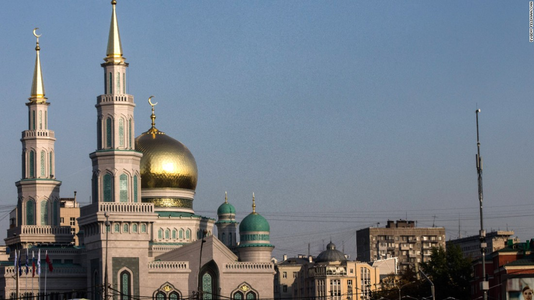 Russian President Vladimir Putin attended the ceremonial opening of the Moscow Cathedral Mosque on Wednesday, September 23. The mosque was demolished and rebuilt to be one of the biggest mosques in the country, with room for 10,000 worshipers.
