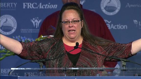 Kim Davis Republican Values Voter Summit award_00000606.jpg