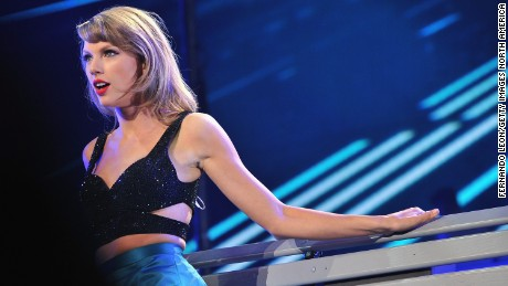 Taylor Swift regularly invites guests to sing with her on tour.