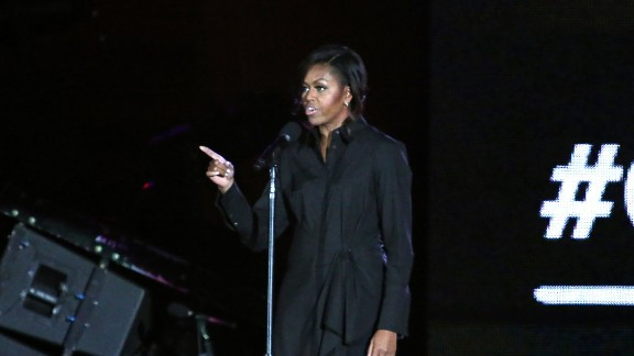 US First Lady Michelle Obama speaks at the fourth annual Global Citizen Festival in Central Park Manhattan on September 26, 2015 in New York. The Festival is part of the Global Poverty Project, a UN-backed campaign to end extreme poverty by 2030. Headliners include Beyonce, Pearl Jam, Coldplay and Ed Sheeran.   AFP PHOTO/KENA BETANCUR        (Photo credit should read KENA BETANCUR/AFP/Getty Images)