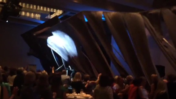 Carly Fiorina stage collapse curtains_00001814.jpg