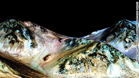 NASA: Liquid water exists on Mars