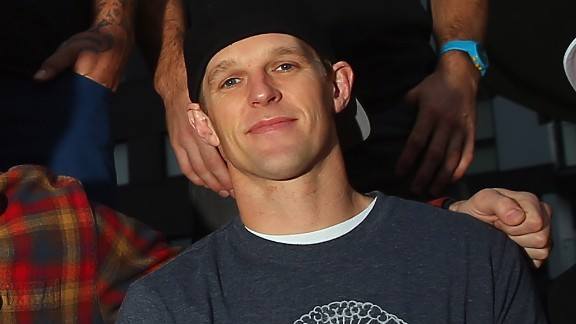 Erik Roner, an extreme athlete who had been featured on MTV and Outside Television, died in a parachuting accident on September 28. He was 39.