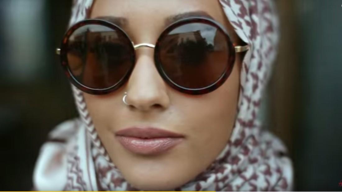 09d843cd889 H M s latest look  A hijab-wearing Muslim model - CNN Style
