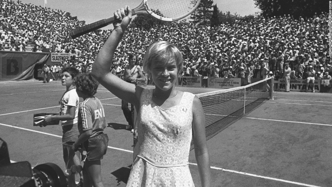 Sue Barker was the last British female player to defeat a top-two ranked player. That was back in 1981 when she overcame Tracey Austin at Brighton.