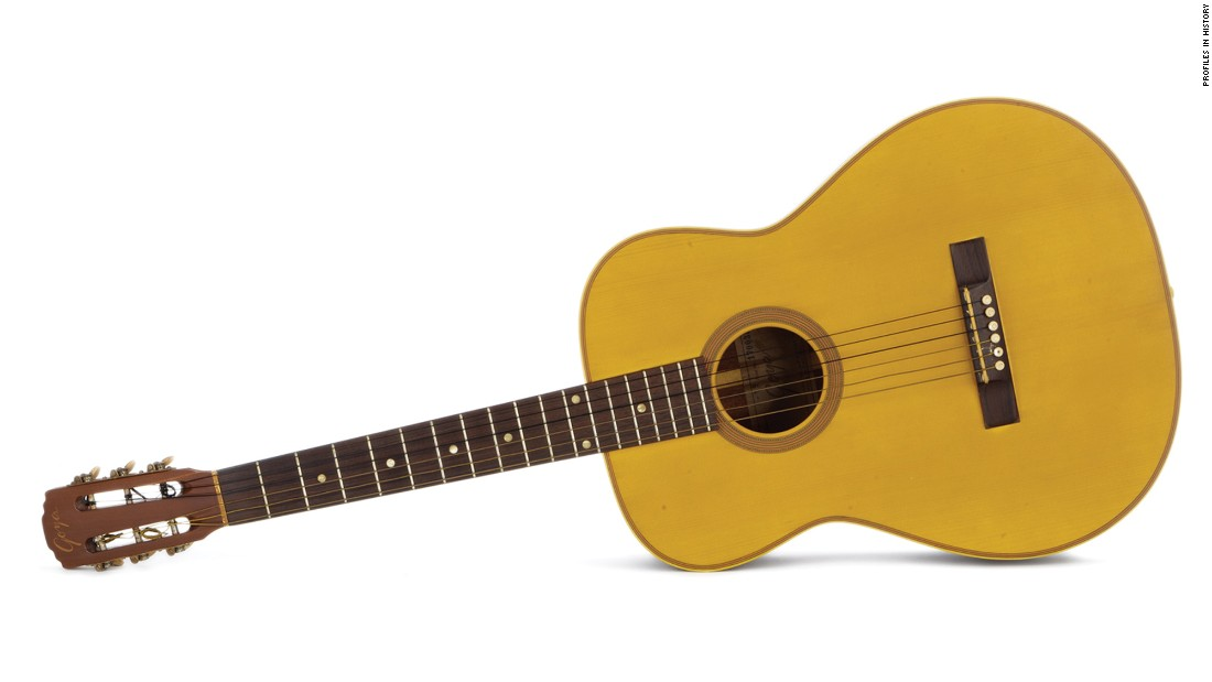 "Do-re-mi-fa-so-la-ti-sold! That is, if you have enough money to shell out for Julie Andrews' ""Sound of Music"" guitar."