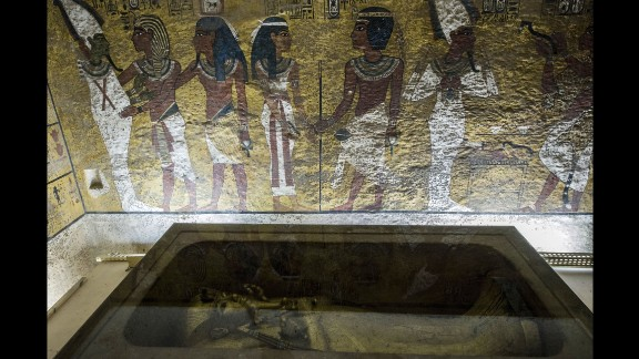 A picture taken on September 28, 2015 shows the golden sarcophagus of King Tutankhamun in his burial chamber in the Valley of the Kings, close to Luxor.